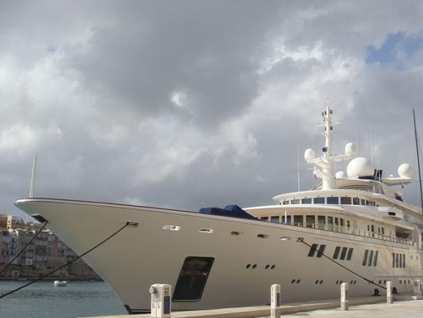 Paul Allens Yacht (Microsoft)